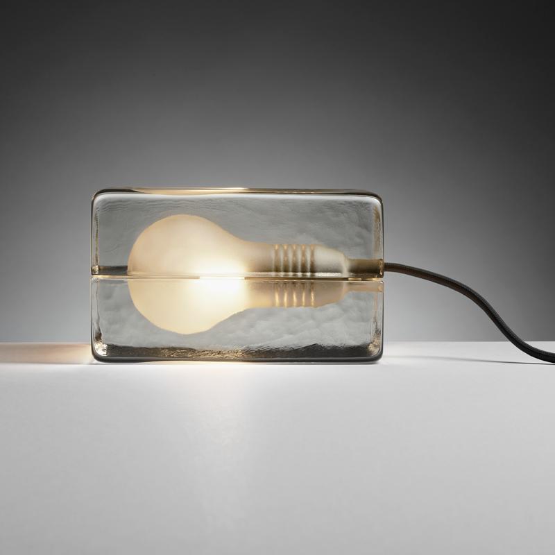 Blokk Lampe Svart ledning